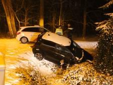 Auto van de weg geraakt door sneeuwval in Vught