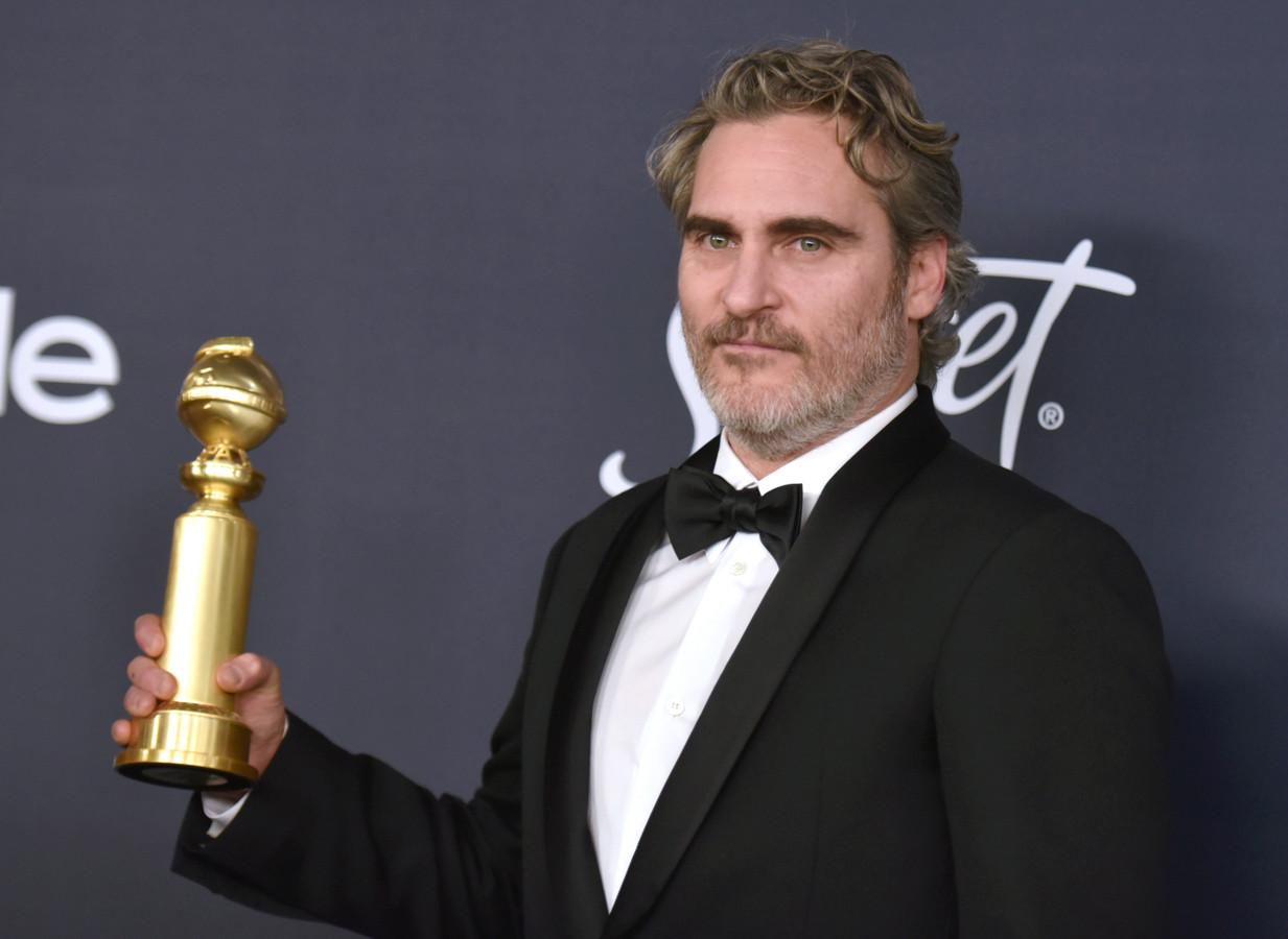 Joaquin Phoenix met zijn Golden Globe.