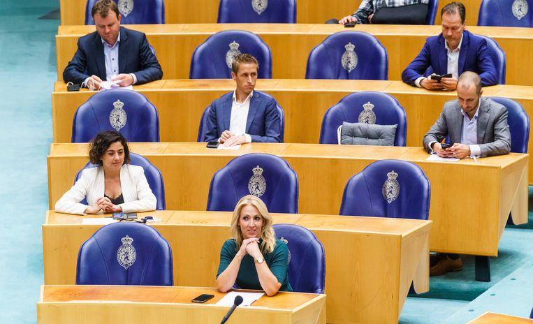 Lilian Marijnissen (vooraan) met een deel van de SP-fractie in de Tweede Kamer. Beeld ANP