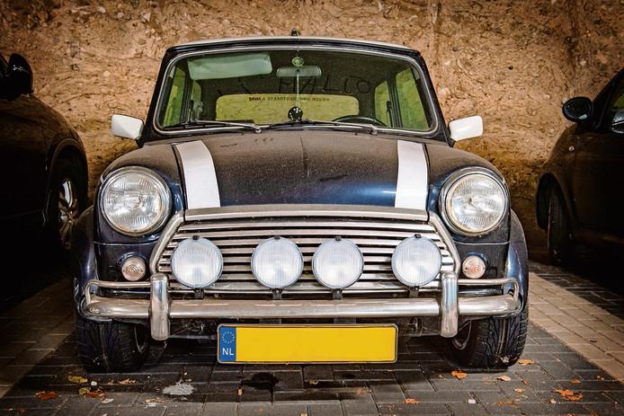 De mini is met bouwjaar 1991 een relatieve jonkie, toch is dit model inmiddels een zeldzaamheid in Nederland.