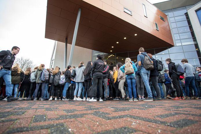 Het leerlingenprotest op het Staring College in Lochem.