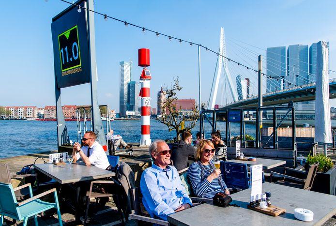 Met ruimere terrassen kunnen horeca-ondernemers meer omzet binnenhalen.