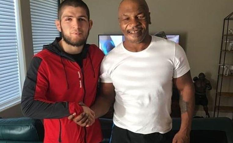 Tyson met Khabib Nurmagomedov, MMA-kampioen bij de lichtgewichten.