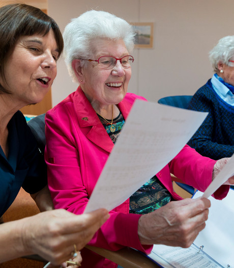 'Levenswijs' brengt ouderen en jongeren dichter bij elkaar