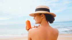 Zelfgemaakte zonnecrèmes op Pinterest zijn een recept voor ... zonnebrand