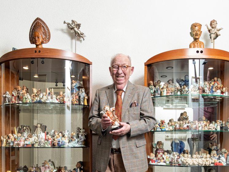 Meneer Engel (92) heeft 350 beeldjes van engeltjes