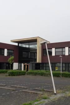 Met een paar miljoen euro extra moet de Brede School in Tholen over een jaar klaar zijn