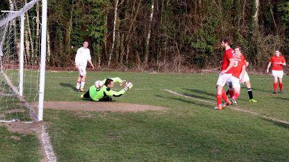 FOTO-ITEM: Aalsterse brandweer trekt aan het langste eind in vriendschappelijke voetbalwedstrijd tegen spoeddienst