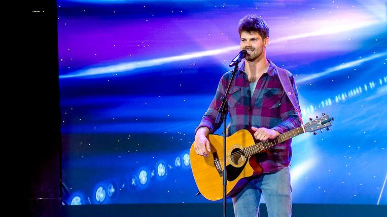 Herenthoutenaar Peter Hens tijdens zijn act voor Belgium's Got Talent op VTM.
