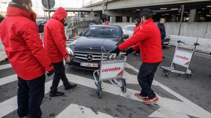 Taxibestuurders voeren opnieuw actie tegen Uber-chauffeurs aan Esso-tankstation op luchthaven