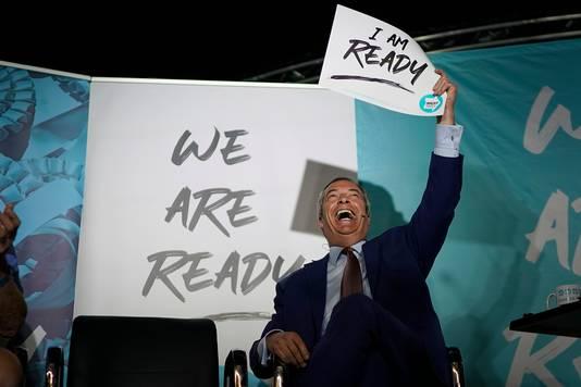 Nigel Farage maakt duidelijk waar hij staat tijdens een bijeenkomst gisteravond in Colchester.