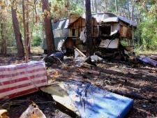 Rotte kiezen tussen de natuur: her en der staan verlaten caravans op de Loonse en Drunense Duinen