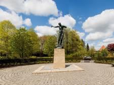 Waalwijk herdenkt oorlogsslachtoffers met tegels, borden en boek