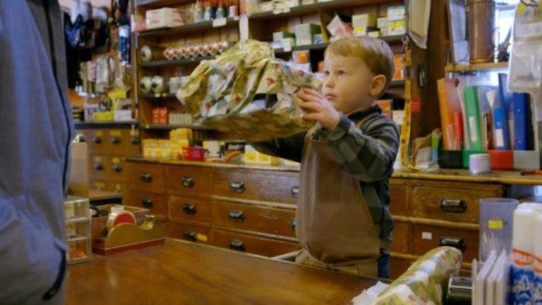 Kleine Arthur vertolkt de hoofdrol in het filmpje met hartverwarmende boodschap.