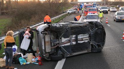 VIDEO. Nederlands koppel filmt zware crash op E17, baby als bij wonder ongedeerd