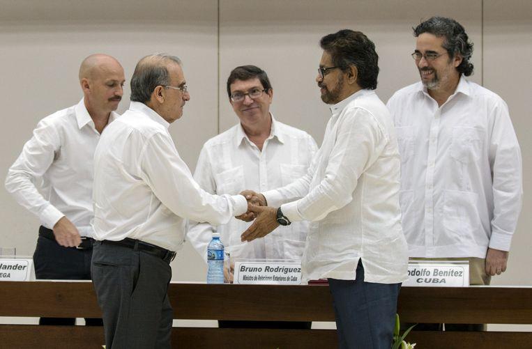2015 Colombia en de FARC: De regering van Colombia en de linkse rebellenbeweging FARC worden het eens over een schadevergoeding voor de slachtoffers en de berechting vanoorlogsmisdadigers. Beeld null