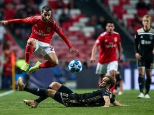 Ajax trekt gelijkspel over de streep in Lissabon