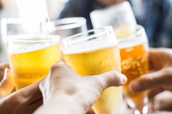 Op 1  juni mag er weer gedronken worden op de terrassen, ook in Etten-Leur. Met de gemeente zijn per etablissement afspraken gemaakt over gebruik van extra ruimte voor het plaatsen van terrassen.