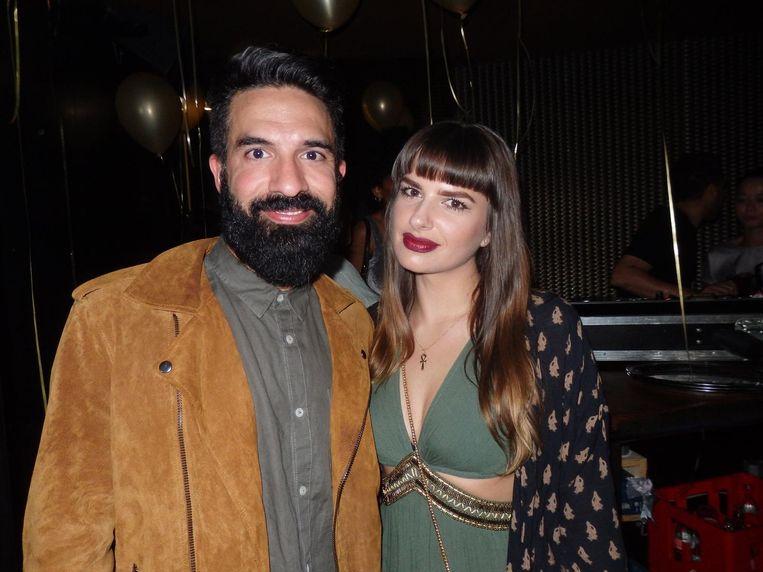 A.R le Shershaby en Joanna Marlow van Intensemble. 'We hebben een modeblog, maar zijn ook een stel, dus we zorgen dat we altijd matching zijn.' Check! Beeld Schuim