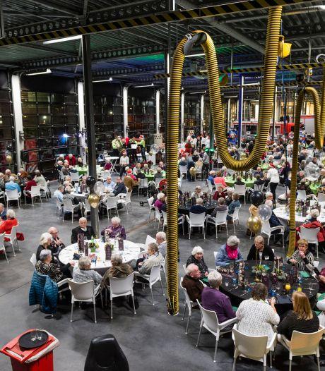 Omdat dineren niet kan, krijgen gehandicapten in Hengelo dit jaar een lunchpakket