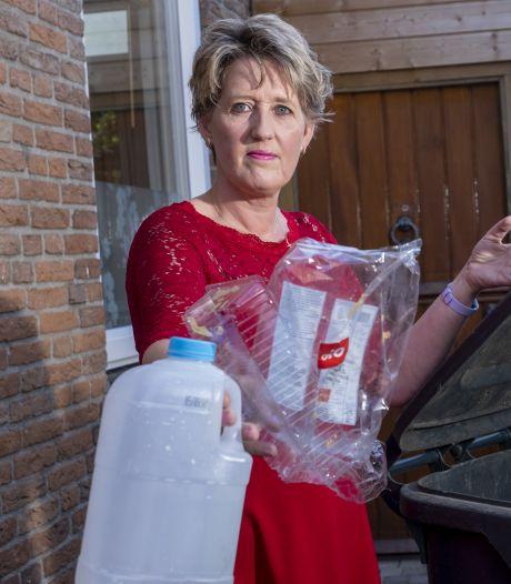 Ingeborg Plasmans wil plastic apart kunnen inleveren als Elburg diftar invoert: 'Nu is het een wassen neus'