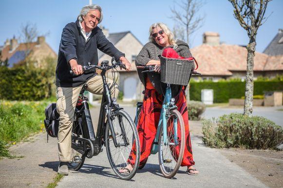 Willy Verbeek (60) en Marghareta Lornoy (64) uit Bredene kregen een proces-verbaal omdat ze uitrustten op een bankje in het Maria-Hendrikapark.