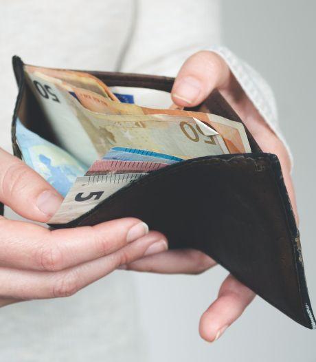 Zorgverzekering en energierekening stijgen, maar het inkomen gelukkig ook