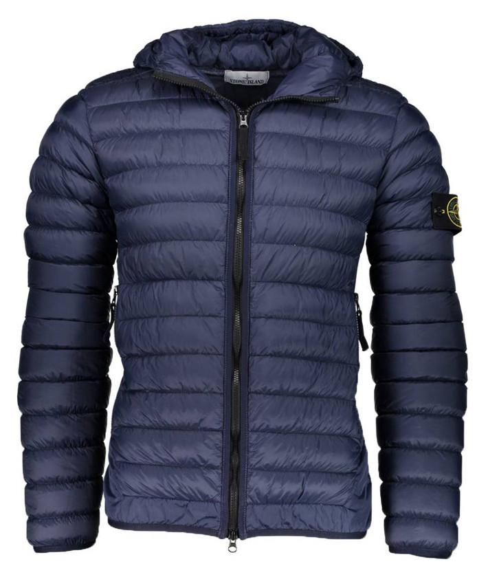 Winterjas Populair.900 Euro Voor Een Jas Vooral Jongens Zien Merkkleding Als
