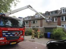 Brandweer zet hoogwerker in voor openstaand raam