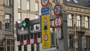 Wie geraakt hier nog aan uit? Meer dan 10 verkeersborden aan Brusselse tunnel