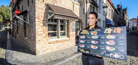 """Reisleidster start eigen chocolade- en ijsjeszaak in Brugge: """"Ik hoop dat we de volgende lente overspoeld worden door toeristen"""""""
