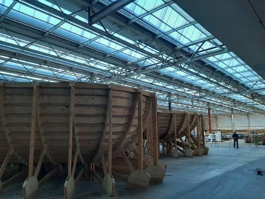 De skate- en BMX-baan van Area 51 op Strijp-S in Eindhoven is veranderd in een groot aantal stapels hout. Na de verbouwing worden die hergebruikt voor de met de gebruikers ontworpen nieuwe baan. Alleen de allereerst bowl, waar het hier mee begon, blijft staan en ook die komt terug.