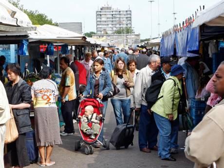 Haagse marktlui dokken jaarlijks half miljoen euro te veel