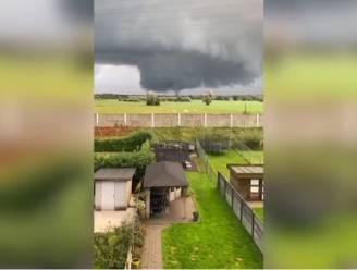 Tornado aan de grond eerder deze middag in Ekeren