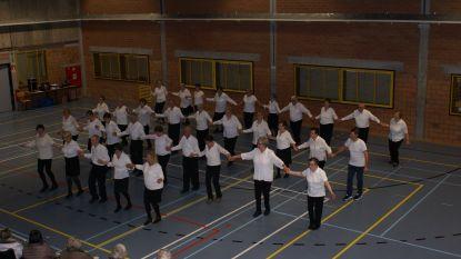 Okra danst elke vrijdagnamiddag in sporthal Sint-Laureins