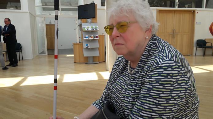 Tineke Ymtema na de zitting bij de rechtbank in Den Bosch. Haar beroep vormde een van de 'voorbeeldzaken' voor de meervoudige kamer. De rechters hebben besloten dat Eindhoven de korting op haar hulp moet terugdraaien.