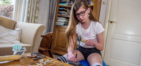 Voor Udenhoutse Lisa (11) dient haar eigen sieradenbedrijfje als uitlaatklep