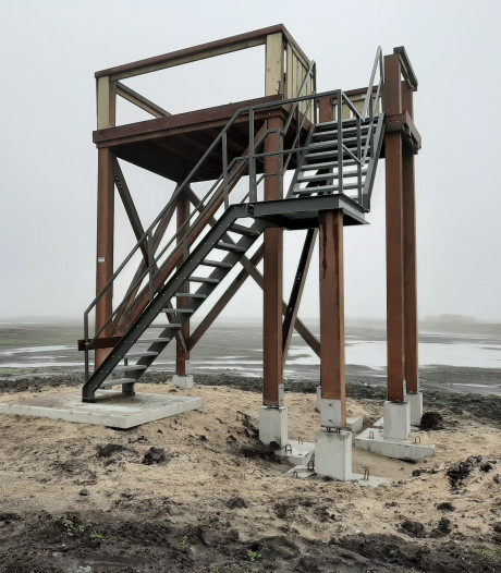 Uitkijktoren in Bennekom is nog niet eens officieel geopend en nu al vernield: 'Domme actie'