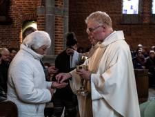 Corona: gebed in de West-Brabantse kerken én geen hostie meer op de tong