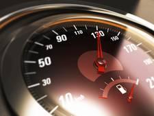 Met 116 kilometer p/u door centrum Tilburg, jongen is rijbewijs kwijt: 'Absurd hoge snelheden'