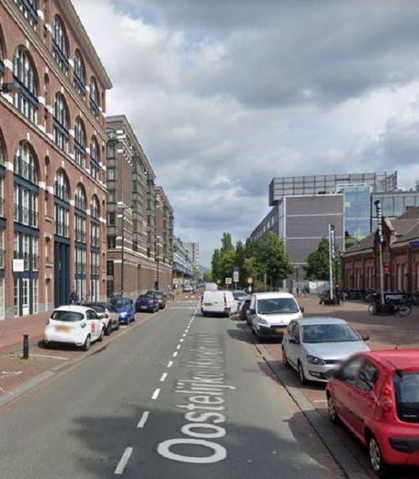 Vrouw neergeschoten in Amsterdam, kon zelf politie nog bellen