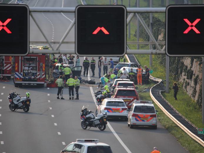 Bij het ongeluk op de A12 bij Zoetermeer waren zeker drie auto's betrokken.