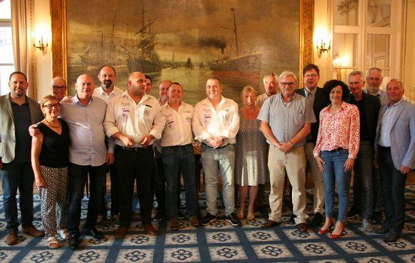 Biljartclub 't Hoekske werd gehuldigd in het stadhuis