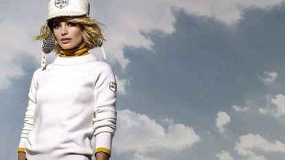 Margot Robbie schittert als gezicht van eerste skicollectie van Chanel