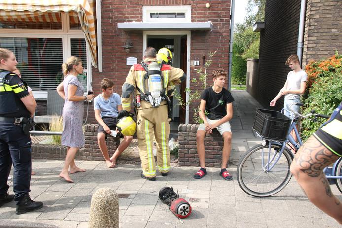 Hoverboard ontploft op zolder van woning Pastoor Vinkesteynstraat in Kwintsheul.