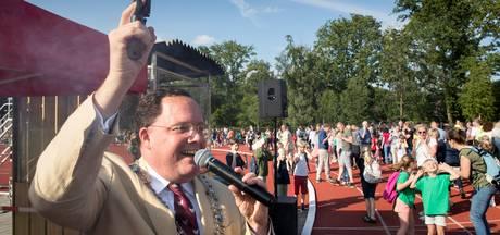 Vught is blij dat burgemeester blijft en dat maakt Van de Mortel trots