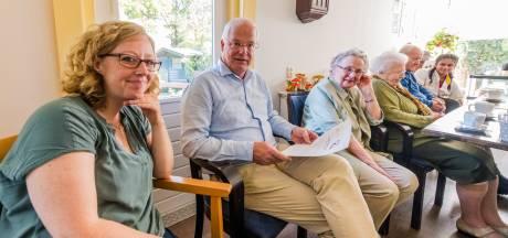 Astrid schrijft verhalen om dementerende mensen weer een herinnering te geven
