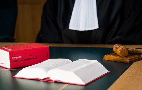De verdachte is rechter aan de correctionele rechtbank in Antwerpen.