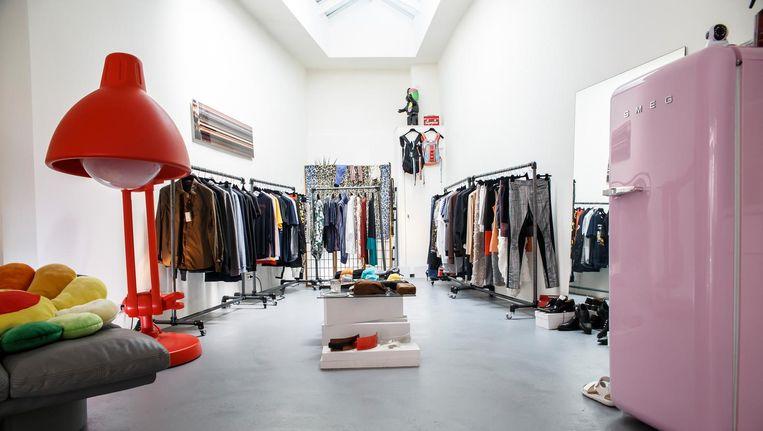 De winkel is een mix van mode, interieur en kunst. Beeld Carly Wollaert