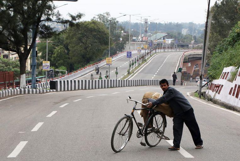 En wie zich in India buitenshuis begeeft, moet een goede reden kunnen voorleggen aan agenten.